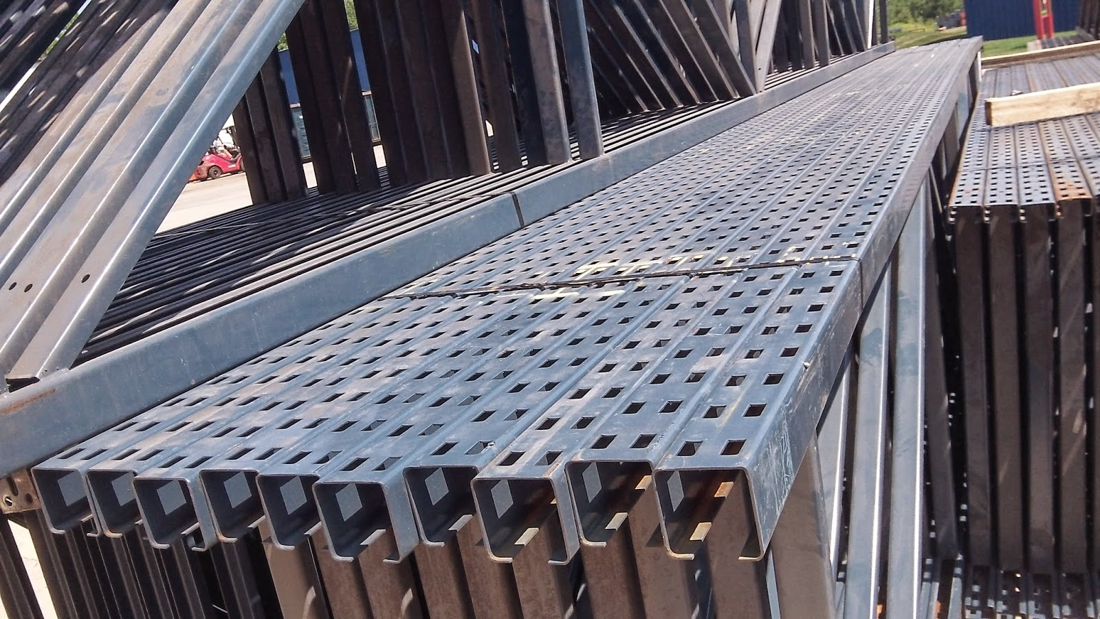 Speedrack Midwest: Used Unarco T-Bolt Pallet Rack Uprights ...