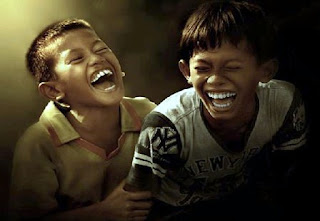 5 Hal yang Terjadi Pada Tubuh Saat Tertawa Ngakak