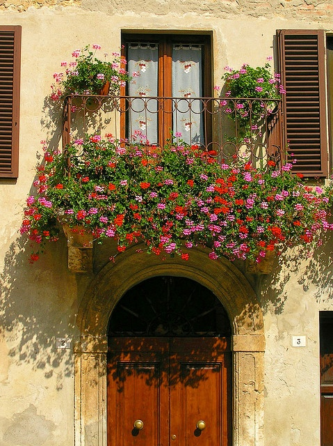 b19d6434a Beijos e um dia lindo pra você. Fotos via  Pinterest. Publicado por Depósito  Santa Mariah