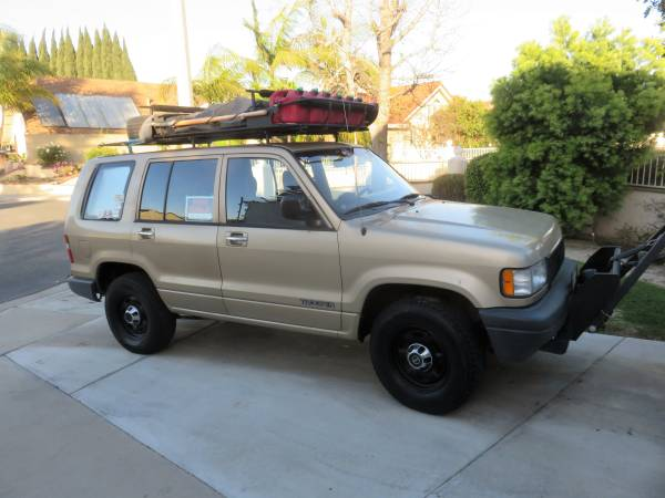 1992 Isuzu Trooper 4x4 Adventure Truck