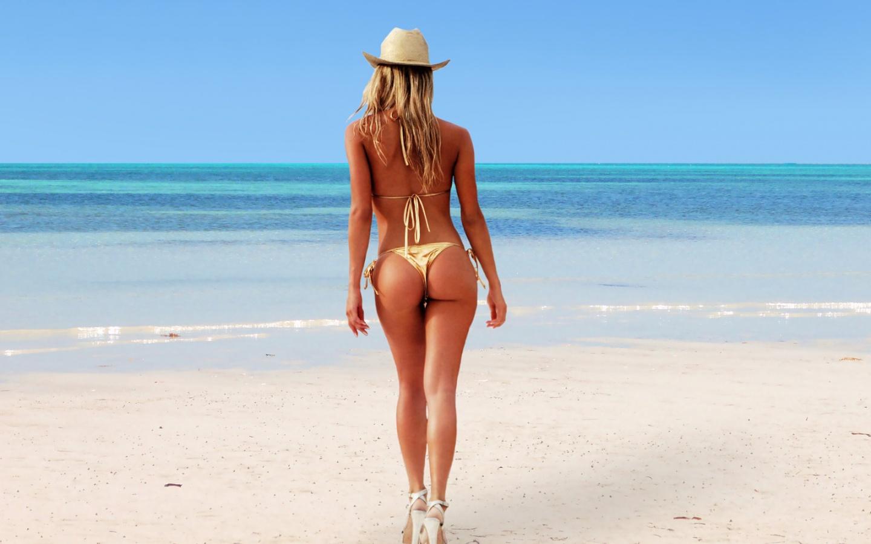 in sexy swimsuit jpg 1152x768