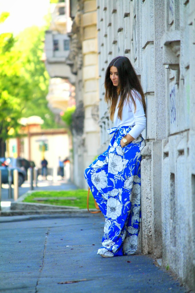Wearing a Zara Floral Print Palazzo Pants, White - Blue Outfit