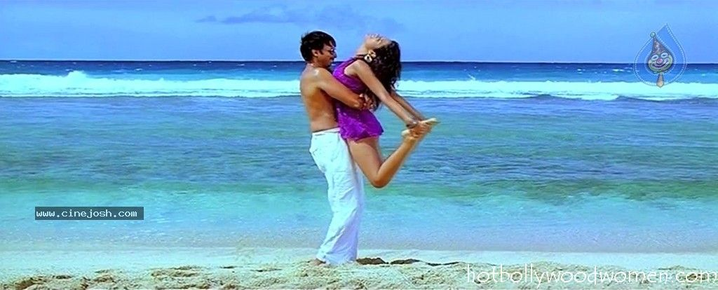 Tv Actress Shraddha Arya Hottest Bikini Body Exposed: Shraddha Das Sexy Pictures, Hot Photos