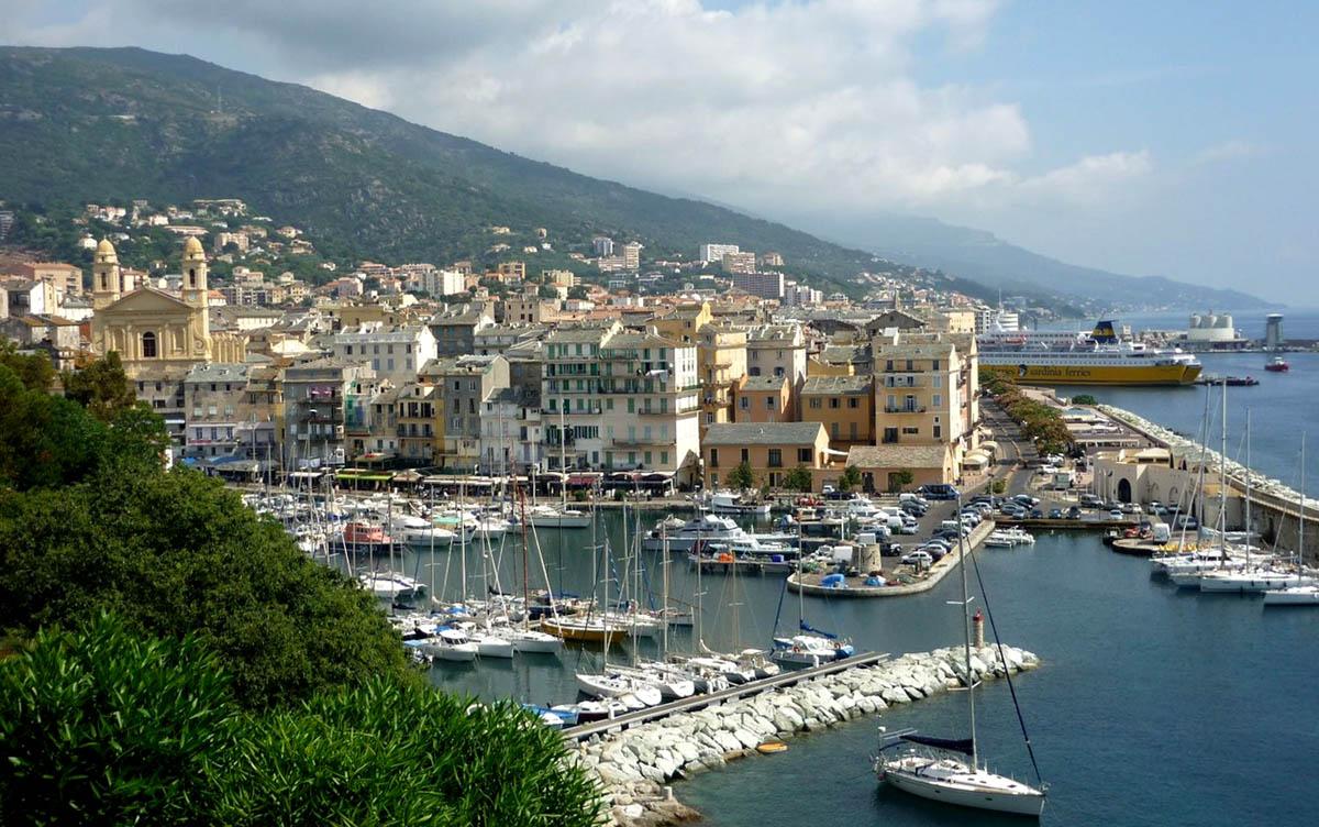 Bastia | Cidade da Ilha de Córsega na França