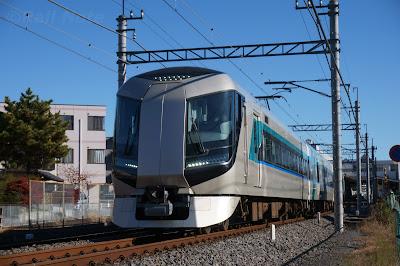 野田線を走る団体臨時特急リバティ