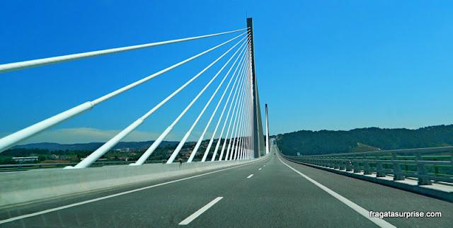 Ponte estaiada na Rodovia A4, Portugal