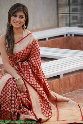 Anika Kabir Shokh new HQ Photos with her friends and models