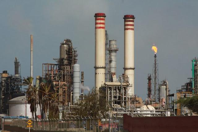 Alertan que Pdvsa está refinando petróleo en solo 23% de su capacidad