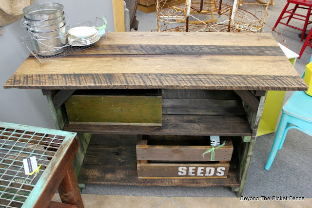 reclaimed barn wood makes a great table top for a farmhouse table
