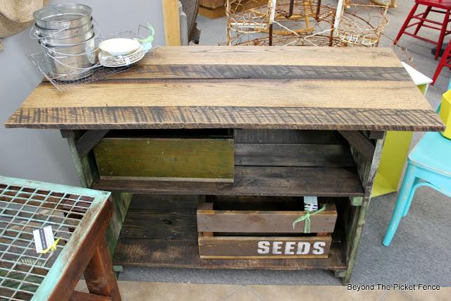 reclaimed barn wood makes a great table top for a farmhouse table
