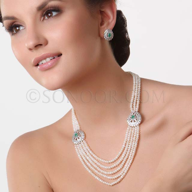Gold Fashion Beautiful Party Wear Necklace By Sonoor