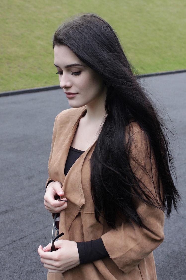 minimalism l stylizacja l look l długie włosy