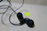 In Ears: In Ear Kopfhörer UMIDIGI geräuschisolierender In-Ear Stereo Kopfhörer verbesserter Bass mit Mikrofon für iOS und Android Geräte mit 3.5mm Kopfhöreranschluss – (Schwarz)