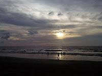 Indahnya Sunset Di Pantai Kuta Bali