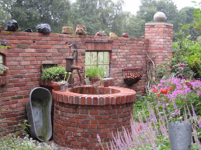 Gartendeko aus Ziegelstein