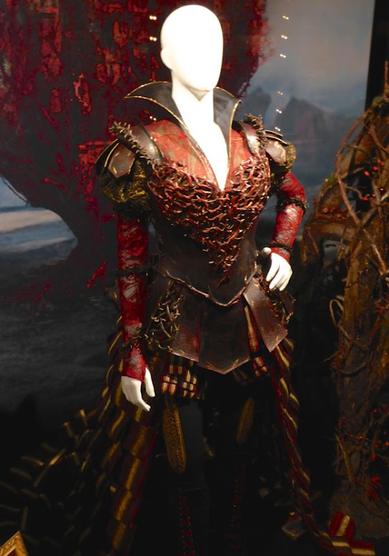 Red Queen Organic Armour costume Alice Through Looking Glass