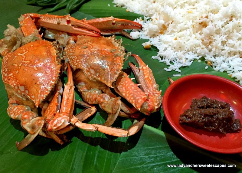 Asian Flavors Dubai crab in boodle fight