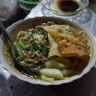 Pangsit Mie nenek Jl. Bromo Malang