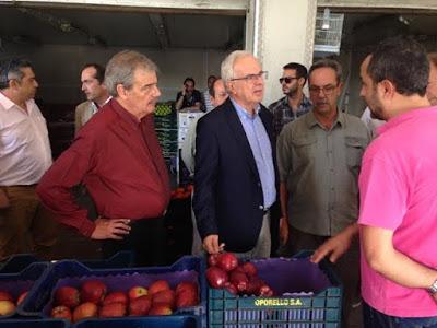 Νομοθετική παρέμβαση για εξυγίανση της αγοράς προανήγγειλε ο Βαγγέλης Αποστόλου από την Κεντρική Αγορά Αθηνών.
