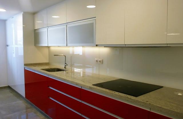 Lavadero y cocina un espacio coherente cocinas con estilo for Cocinas ferrati