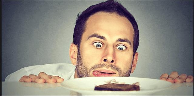 8 λόγοι για τους οποίους πεινάς, ακόμα και αμέσως μετά το φαγητό