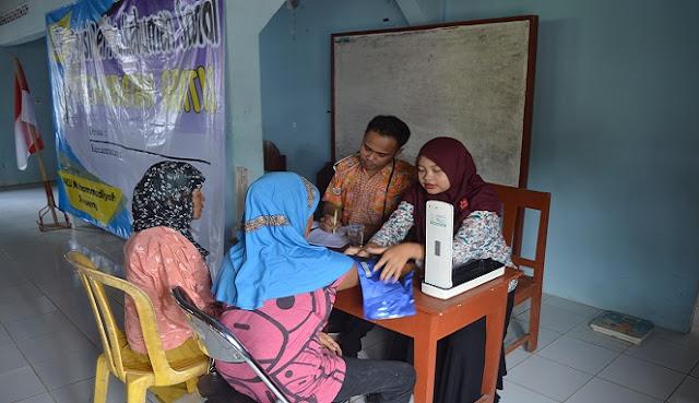 Sebanyak 135 Warga Desa Pejengkolan mendapatkan Pelayanan Pengobatan Gratis