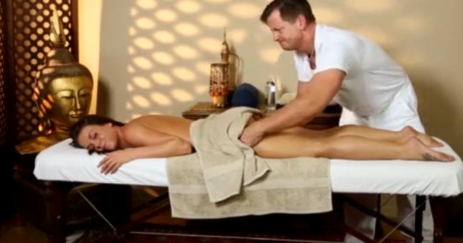 Зрелые смотреть онлайн секс массаж в чулках хартли роли