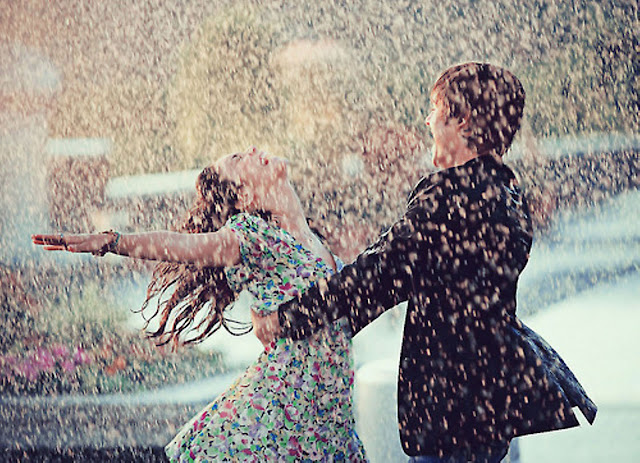 Feel Free Cute Love Couple in Rain Images