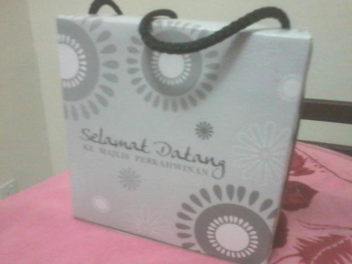 Door Gift Murah: Design Box door gift Bahulu 14cmx14cm