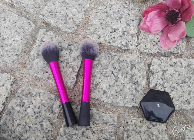Blush Brush da Real Techniques, dupe do eBay