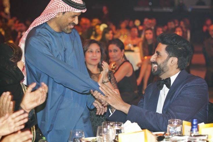 Saif Belhasa greets Abhishek Bachchan, Masala! Awards 2014 Inside Pics