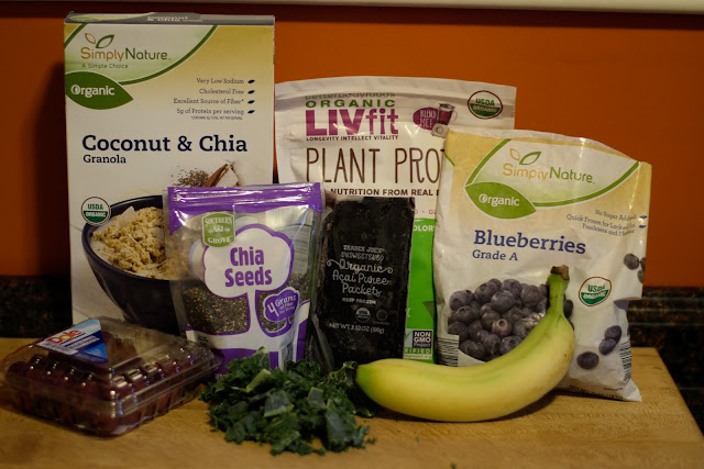 The ingredients needed for the acai bowl