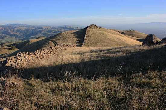 Mysterious Ancient Walls of California