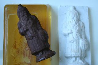 Chocolate candy bar mold