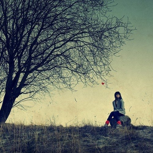 Waiting For Someone Who Will Never Come Quotes: Sad Alone Girls Wallpapers