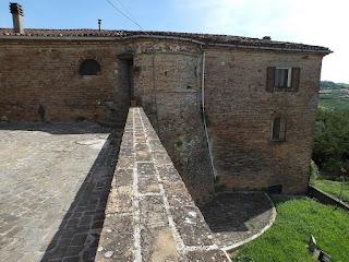 Castello San Savino le mura