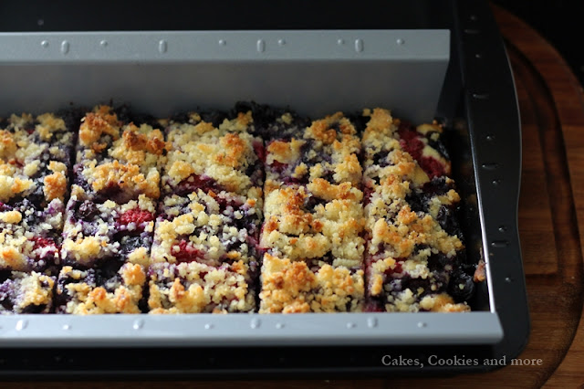 Beeren-Streuselkuchen aus dem Blech