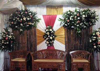 Acara janji nikah tentu menjadi momen Istimewa bagi siapapun yang ingin melangsungkannya √ 41 Ide Dekorasi Pernikahan di Rumah yang Sederhana Tapi Mewah