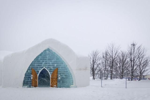 Québec City's Village Vacances Valcartier's Hôtel de Glace exterior