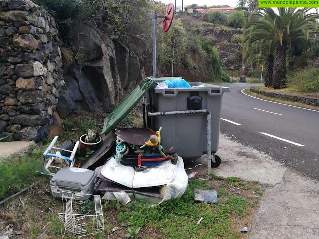 El Ayuntamiento pide no dejar enseres en la calle mientras la recogida siga suspendida