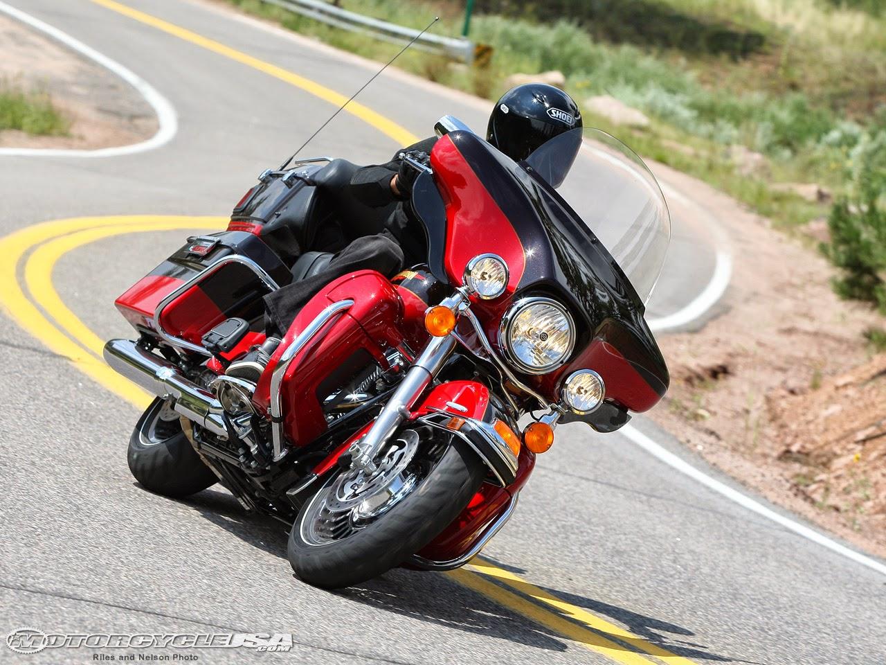 Download Harley-Davidson TOURING Owner's Manual 2010 for FLHT, FLHTC,  FLHTCU, FLHTK, FLHR, FLHRC, FLTRX, FLHX Content: Owner's Manual File type:  PDF