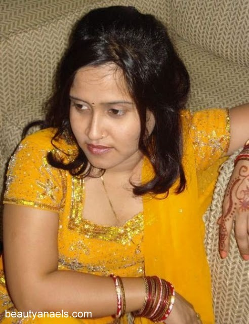 Beautiful Muslim Girls Gujarati Aunty Hot Wallpapers-3853