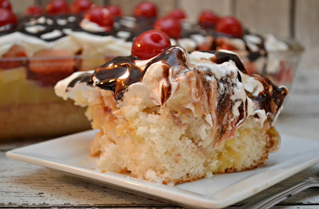 Banana Split Poke Cake, poke cake recipes, poke cake, Sir Bananas milk, Sir bananas bananamilk, bananamilk, banana milk, sir bananas banana milk, easy desserts, banana desserts