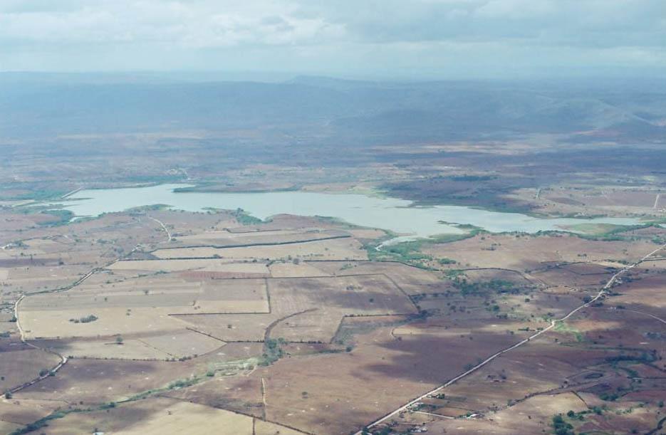 Resultado de imagem para foto aerea do açude de adustina