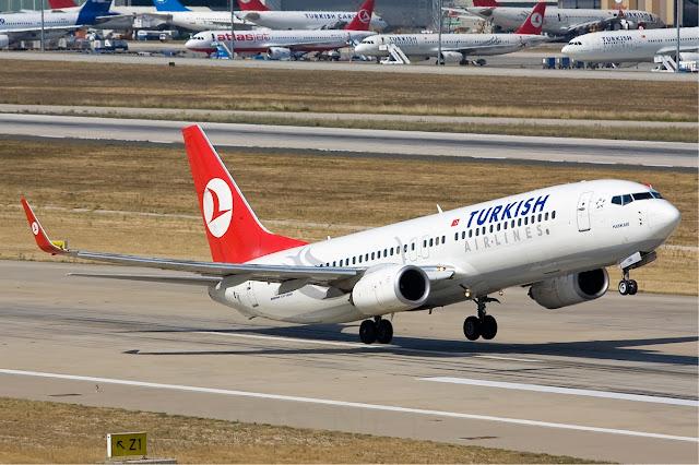 Turkish Airlines Boeing 737-800 - Atatürk Havalimanı'ndan kalkış yapıyor...