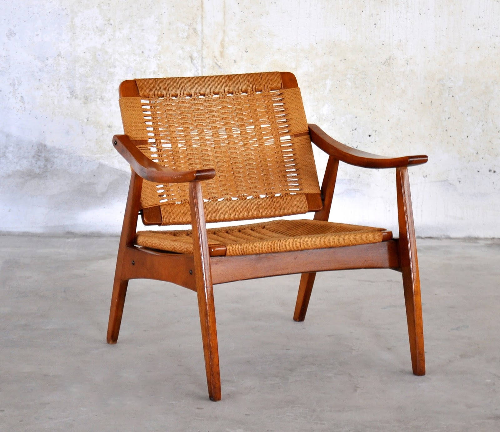 Select Modern Hans Wegner Style Rope Lounge Chair