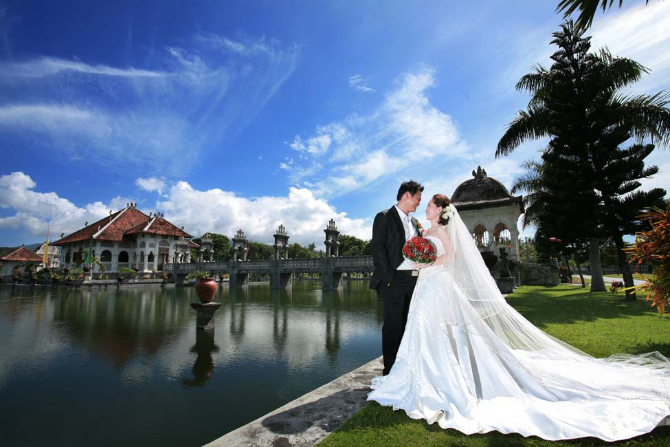8 Tempat Romantis Untuk Wedding Outdoor Yang Bikin: BALI WISATA PROMO: FOTO PRE WEDDING