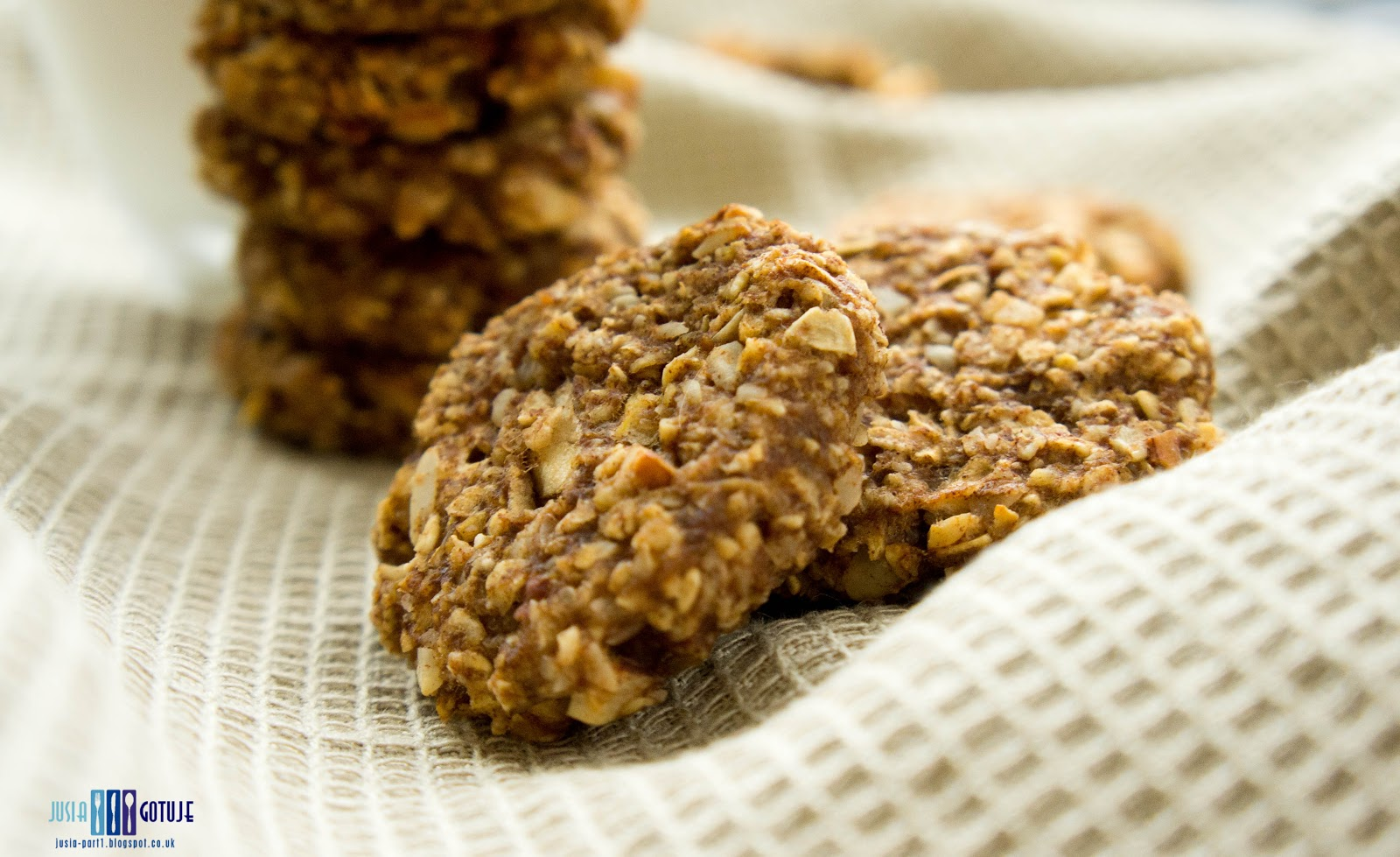 cookies, oats cookies, ciasteczka, ciasteczka owsiane, jablko, apple cookies, cinnamom, jablko i cynamon, healthy, healthy cookies, zdrowe ciasteczka,