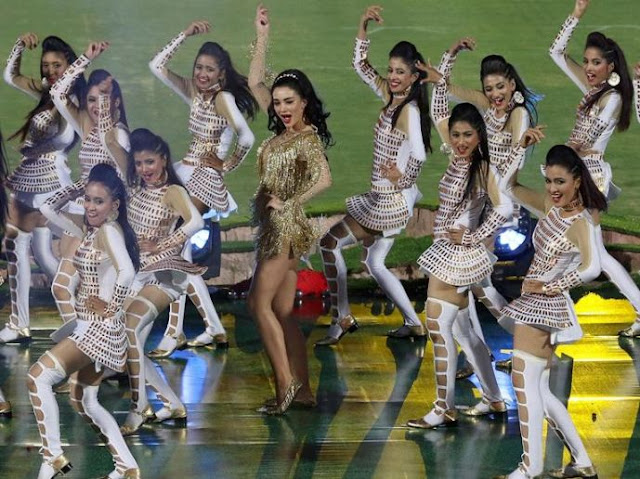 Amy Jackson dance performance at IPL Photos