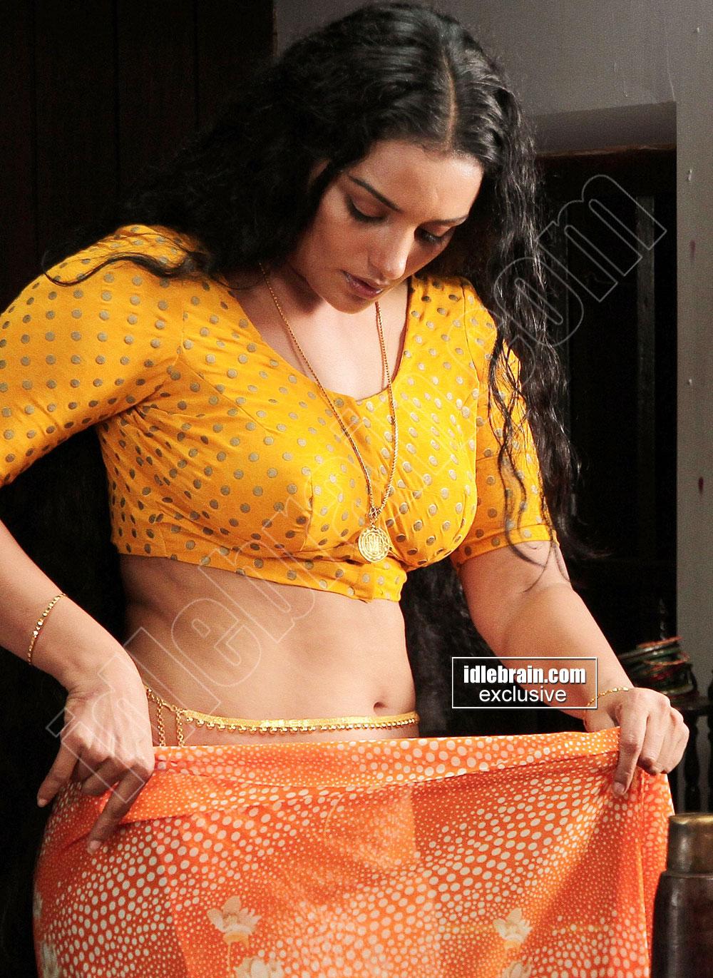 Hot Item Girls Swetha Menon Spicy Stills In Rathinirvedam -6221